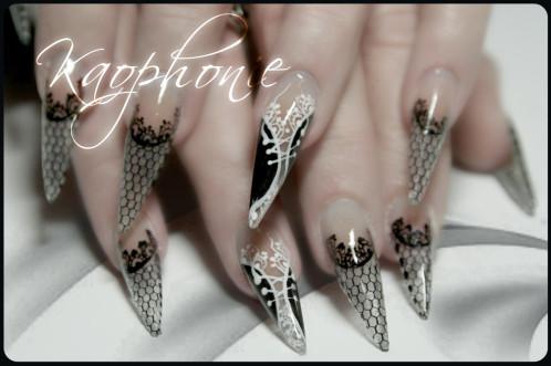 martine-stiletti-sexy-nails-002