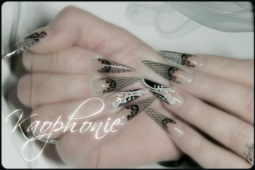 martine-stiletti-sexy-nails-004
