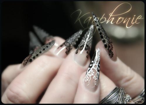 martine-stiletti-sexy-nails-005