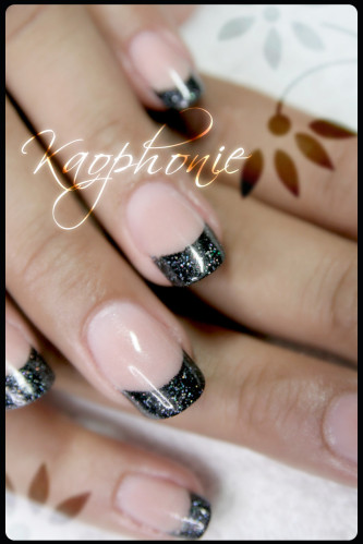 french-noire-holo-(3)
