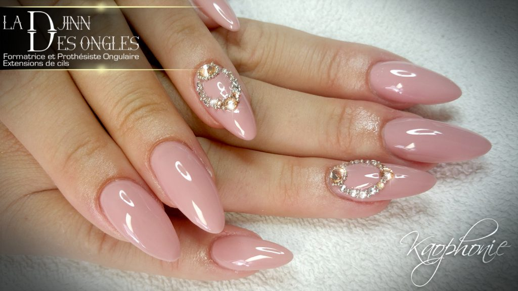 Nail Art Baby Boomer Paillette