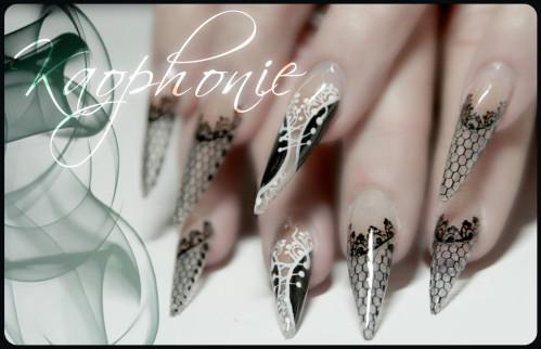 martine-stiletti-sexy-nails-003