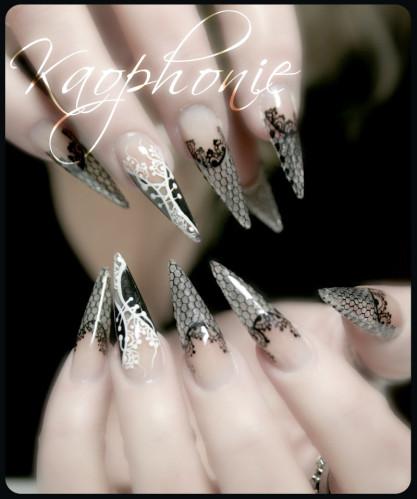 martine-stiletti-sexy-nails-009