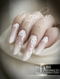 Babyboomer amande russe nail art roses